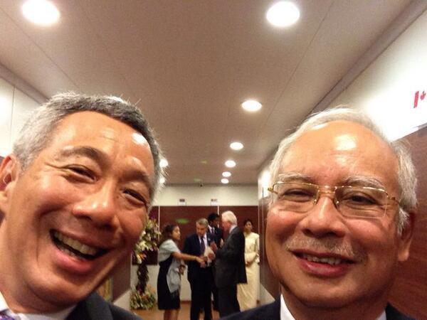 Lee Hsien Loong and Najib Selfie
